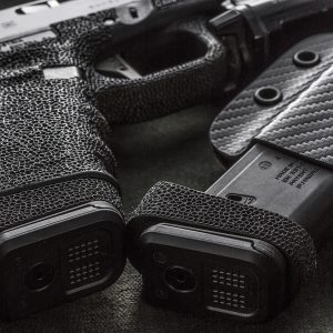 Kydex Magazine Holder Black Carbon Fiber Glock Stippling